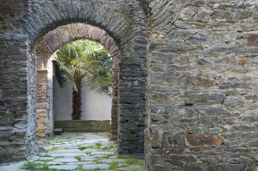 Muralla Navia